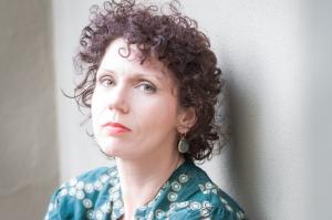 Essbaum author photo (c) Megan Sembera Peters
